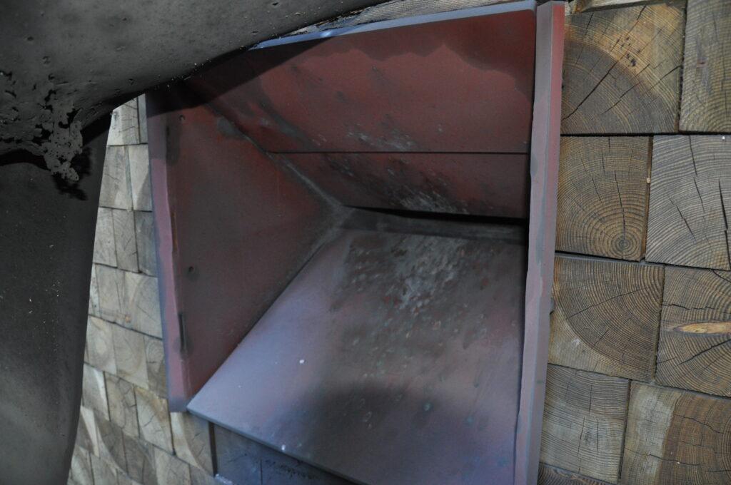 Die Stahlbehälter hinter den Scheiben - mehr Umweltschutz & Sicherheit