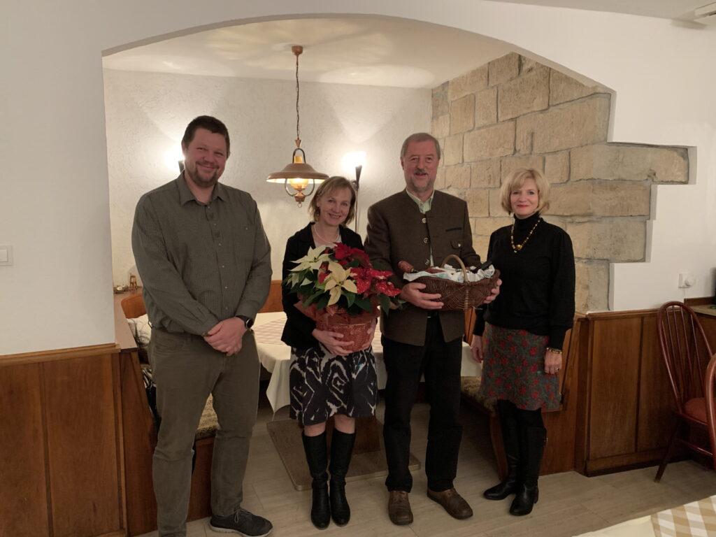 Von links: 1. Vorsitzender Patrick Figge, Claudia Richter, Roland Richter, 2. Vorsitzende Astrid Schneider-Heil
